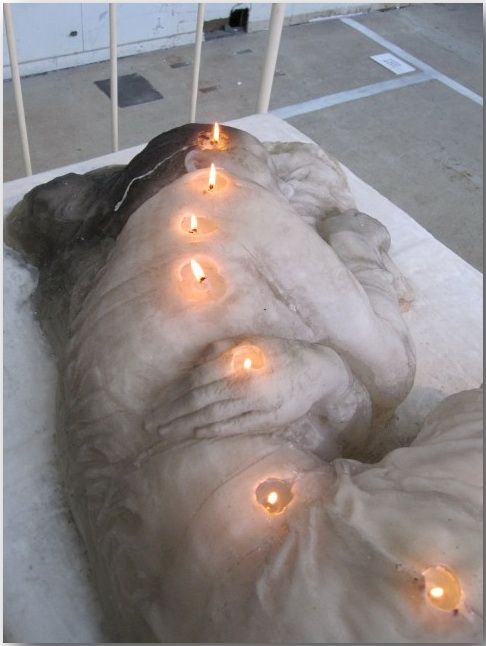 A.F.Vandevorst_sculpture__A_Woman_Made_of_Candles_03