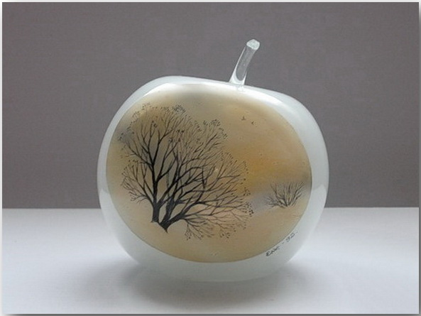 Стеклянные яблочки – для алмазных зубов!?