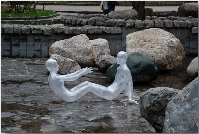 Марк Дженкинс (Mark Jenkins)_sculptures_01