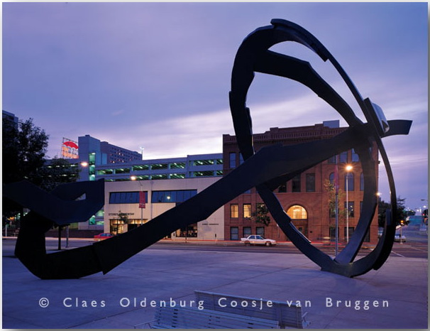 Клас Ольденбург (Claes Oldenburg)_sculptures_05