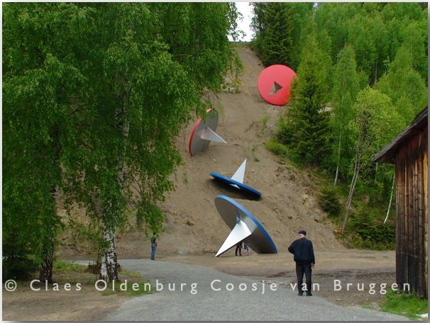Клас Ольденбург (Claes Oldenburg)_sculptures_17