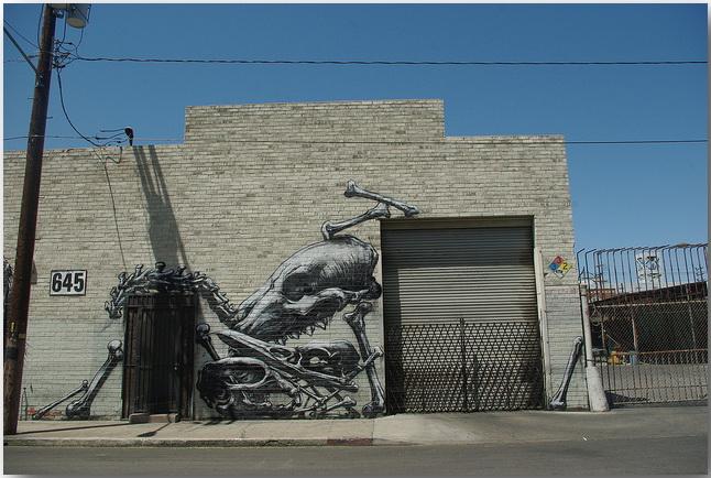 Дикие животные уличного художника Роа (Roa)_street-art_11