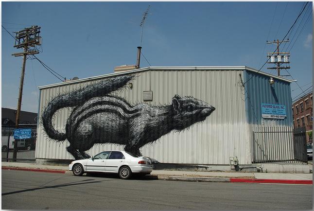 Дикие животные уличного художника Роа (Roa)_street-art_17