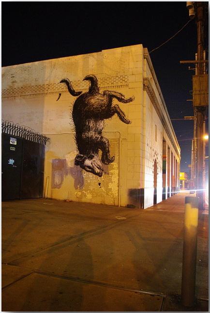 Дикие животные уличного художника Роа (Roa)_street-art_22