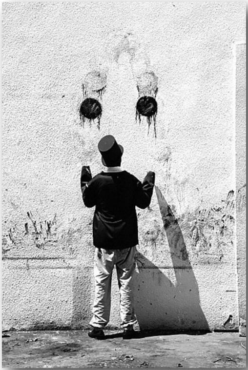 Juggla_Робин Род (Robin Rhode)_Street art_27