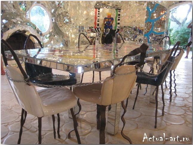 """Дом-скульптура """"Императрицы"""" в центре сада Таро_Ники де Сен-Фалль (Niki de Saint Phalle)_Sculptures_34"""