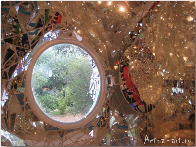 """Дом-скульптура """"Императрицы"""" в центре сада Таро_Ники де Сен-Фалль (Niki de Saint Phalle)_Sculptures_35"""