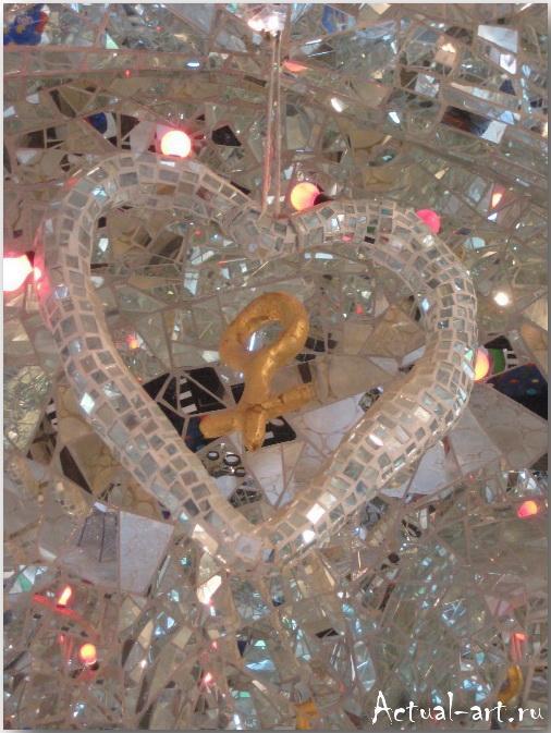 """Дом-скульптура """"Императрицы"""" в центре сада Таро_Ники де Сен-Фалль (Niki de Saint Phalle)_Sculptures_36"""