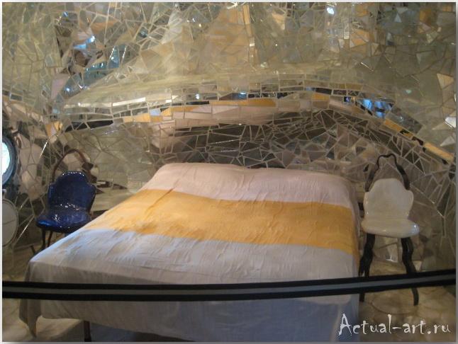 """Дом-скульптура """"Императрицы"""" в центре сада Таро_Ники де Сен-Фалль (Niki de Saint Phalle)_Sculptures_37"""