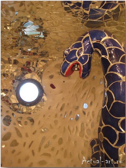 """Дом-скульптура """"Императрицы"""" в центре сада Таро_Ники де Сен-Фалль (Niki de Saint Phalle)_Sculptures_39"""