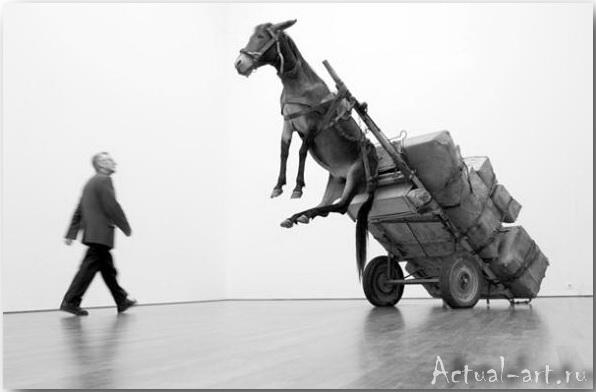 Шокирующие инсталляции Маурицио Кателлана (Maurizio Catellan)