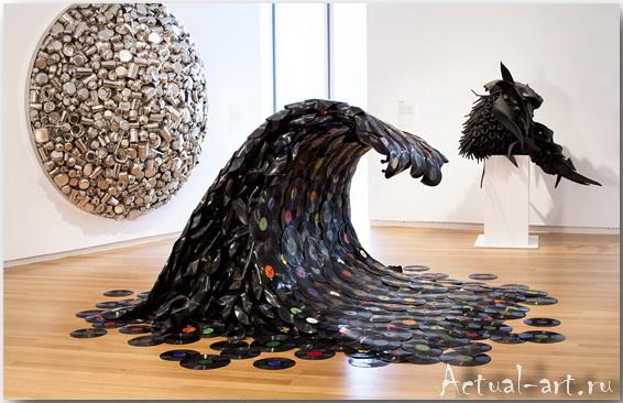Скульптура из подручного материала