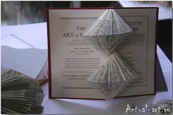 Скульптуры из книг_Nicholas Jones