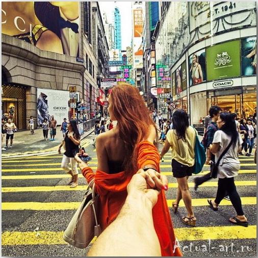 Серия фотографий «Следуй за мной» Мурада Османна (Murad Osmann)